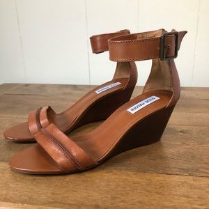 Steve Madden Neliee Wedge Sandals New in box